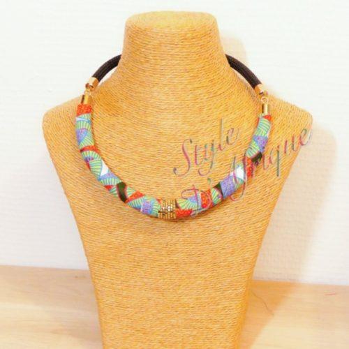 collier ras de cou wax africain ethnique. bijoux collier wax femme africaine, bijoux fantaisie, breloque africaine, bijoux ethniques, collier bohème, collier traditionnel chic