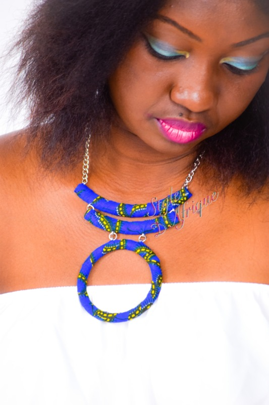 collier ras de cou triple rangs en wax africain