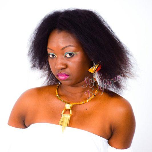 collier ras de cou pendentif soleil et boucles d'oreilles demi lune en wax africain. collier ras de cou wax africain ethnique. bijoux collier wax femme africaine, bijoux fantaisie, breloque africaine, bijoux ethniques, collier bohème, collier traditionnel chic
