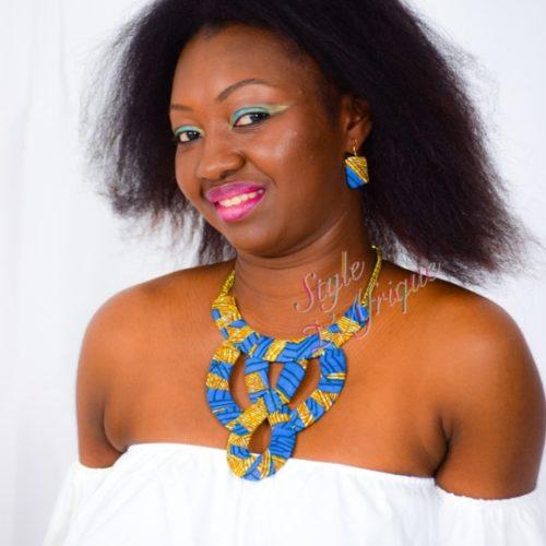 parure collier en grand huit avec boucles d'oreilles en wax africain