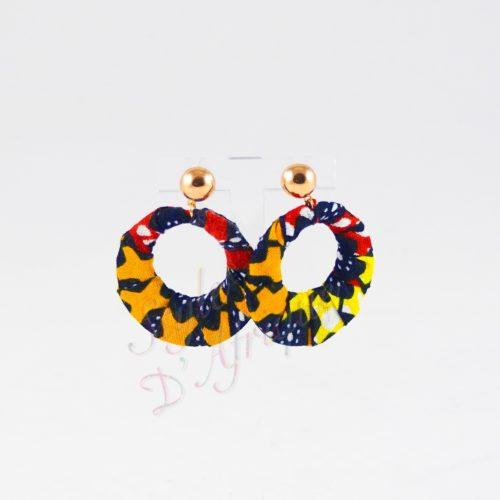 boucles d'oreilles pendantes wax tissu ankara. boucles d'oreilles créoles femme wax africain ethnique. bijoux wax femme africaine, bijoux fantaisie, breloque africaine, bijoux ethniques, bijoux bohème, bijoux traditionnel chic