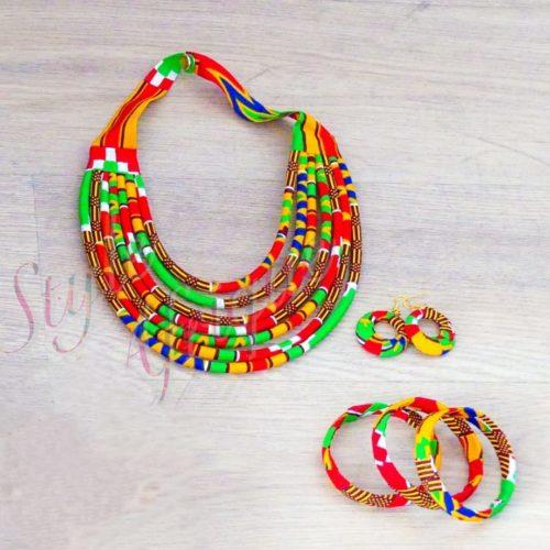 Parure bijoux Massaï vert rouge
